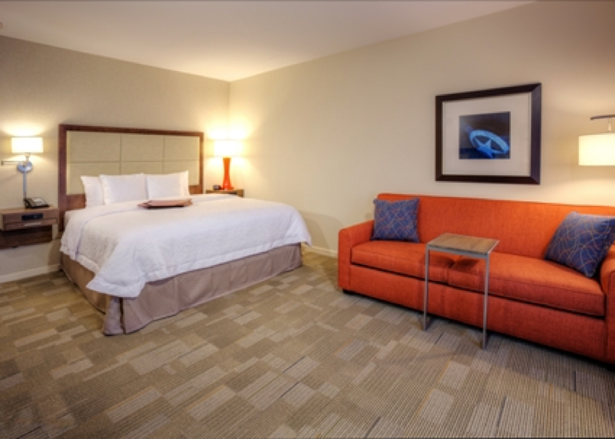 HotelRoom-1