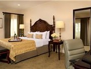 ayres-hotel-costa-mesa-deluxe-king-room