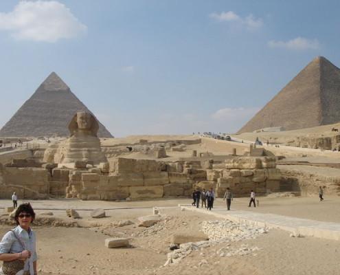 800px-Egyptian_Pyramids
