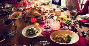 Las diez mejores maneras de promover el evangelio en las cenas navideñas